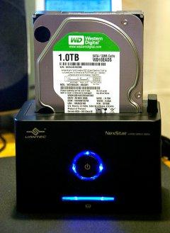 Док станция Vantec  NST D100SU BK черная для подключ  HDD 2 5   3 5 SATA  eSATA