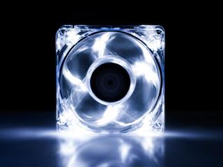 Вентилятор с подсветкой белой 80 мм XILENCE COO XPF80 WW флуоресц