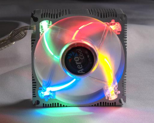 Вентилятор с алюминиевым основанием и RGBY подсветкой