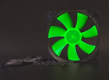 зеленая крыльчатка светится в ультрафиолете!