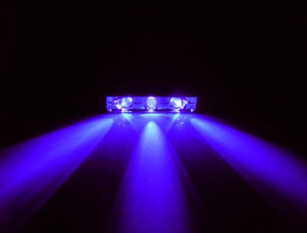 Хромированный блок из 3 x ярких ультрафиолетовых светодиодов Sunbeam