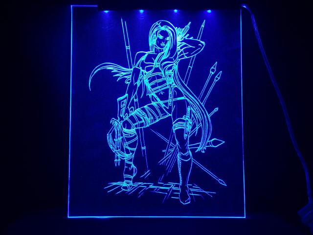 Окно ручной работы  с гравировкой и подстветкой  Амазонка синяя