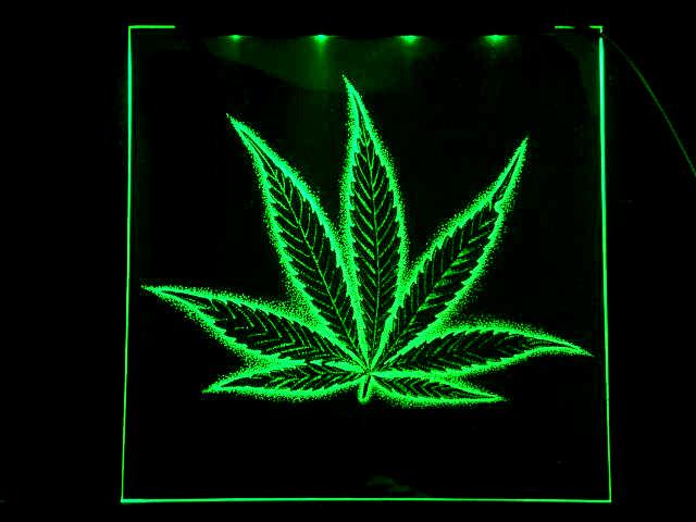 Окно ручной работы  с гравировкой и подстветкой   Green Forever зеленый