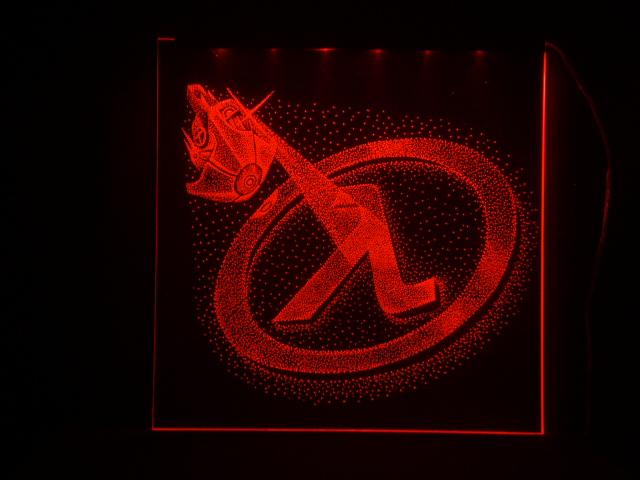 Окно ручной работы  с гравировкой и подстветкой  Half Life красный