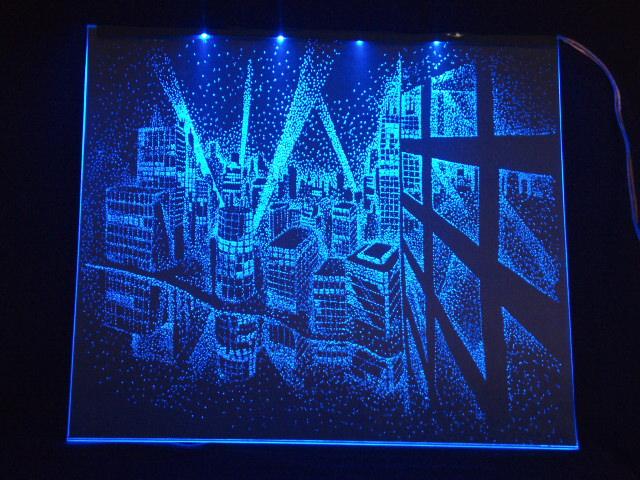 Окно ручной работы  с гравировкой и подстветкой  Ночной город синий