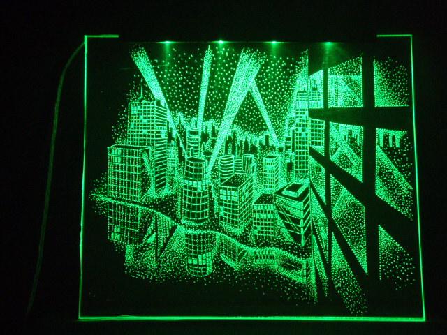 Окно ручной работы  с гравировкой и подстветкой  Ночной город зеленый