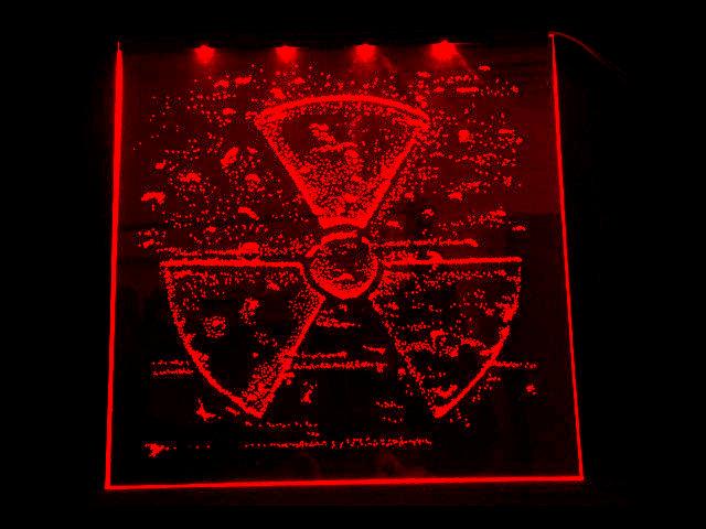 Окно ручной работы  с гравировкой и подстветкой  Radiation красная