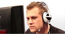 Robert RobbaN Dahlström из SK Gaming пользуется ковриком SteelSeries S&S