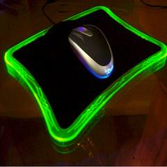 Профессиональный геймерский коврик xRaider  с зеленой подсветкой