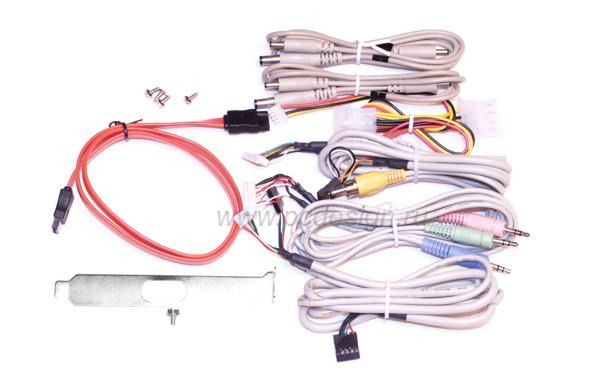 Панель Master 5250  для 5 25   отсека  с картридером  E SATA  USB  1394 и т д