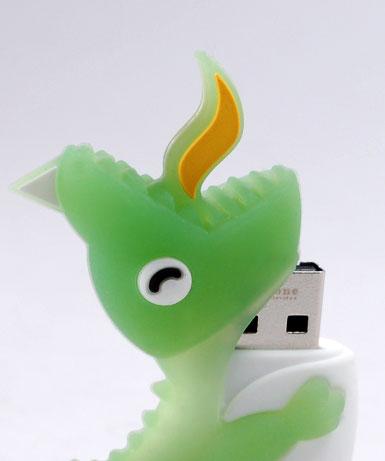 Флэшка подарочная Bone Dinosaur Driver 2 ГБ зеленый динозаврик